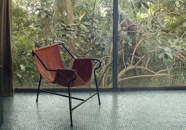 Cadeira Tripé designed by Lina Bo Bardi (1948)