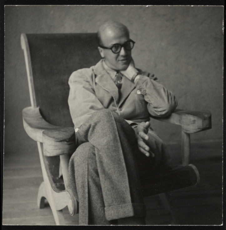 Luis Barragán seating in a Miguelito Butaque Chair