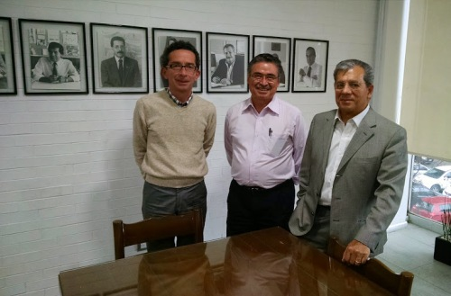 DI Jorge A. Vadillo, MDI Enrique Ricalde and Dr. Oscar Salinas at the CIDI main offices (from left to right)